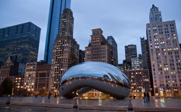 chicago-il-cloud-gate-at-dusk