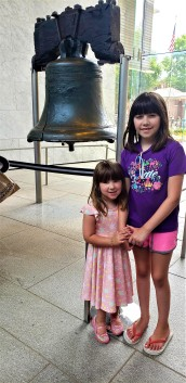 Reagan and Rebecca standing in front of the Liberty Bell